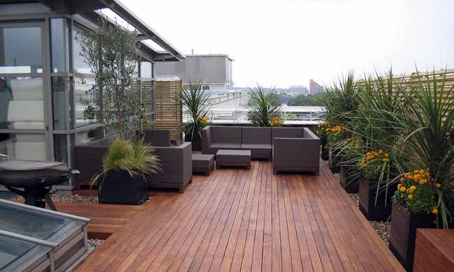 Consejos para decorar la terraza for Baldosones para terrazas