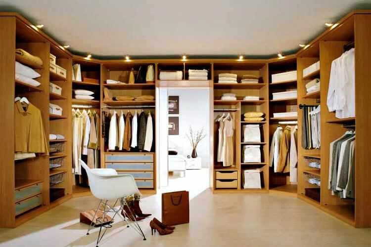 Como hacer un vestidor moderno y peque o mundodecoracion for Closet dormitorio matrimonial