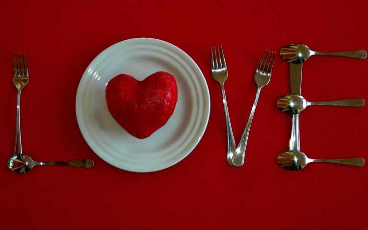 como preparar una cena romantica en casa