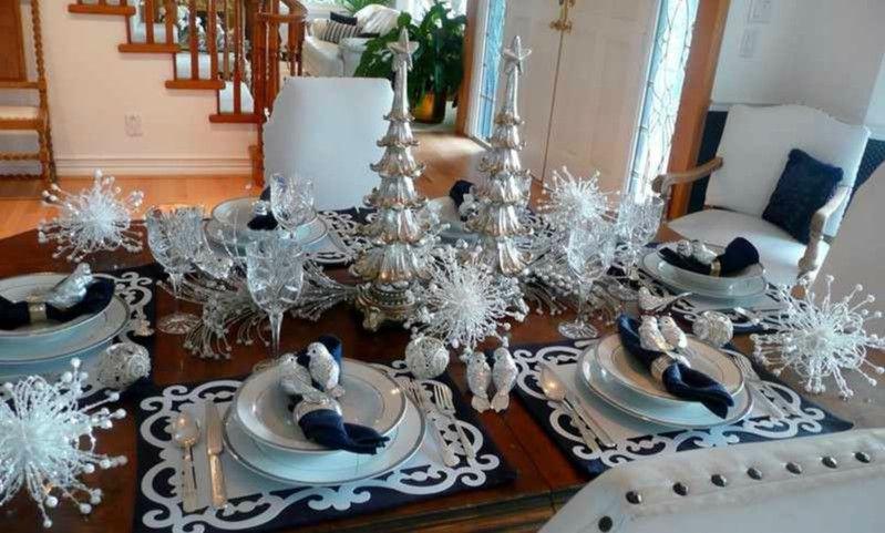 Decoracion de navidad para la mesa de nuestro salon for Centros de mesa navidenos elegantes