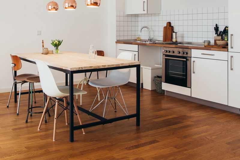 Suelos de madera para cocinas y ba os for Suelos de madera para cocinas
